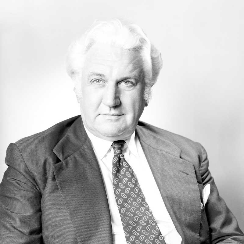 Rt Hon Sir John R. Kerr KCMG LStJ PC AK GCMG GCVO (1974)