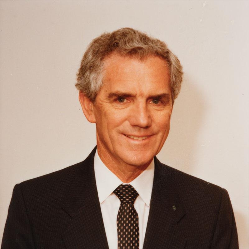 Mr Gerald Gleeson AC (1990)