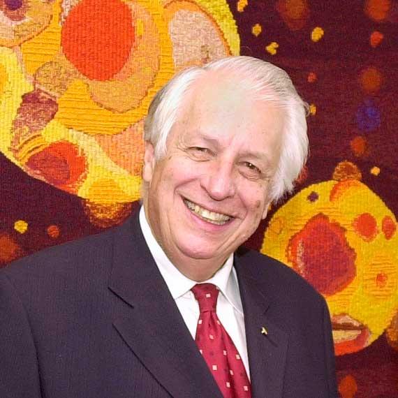 Prof Sir Gustav Nossal AC CBE FAA FRS (2003)