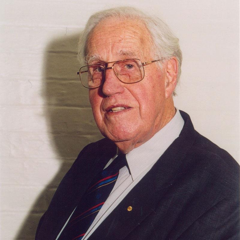 2002 - Basil Hetzel